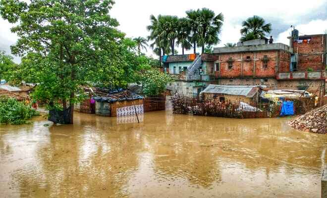 रक्सौल शहर के वार्ड संख्या 5, 6 पर वारिश का पानी व नेपाल से आनेवाले नदी का जलस्तर बढ़ा