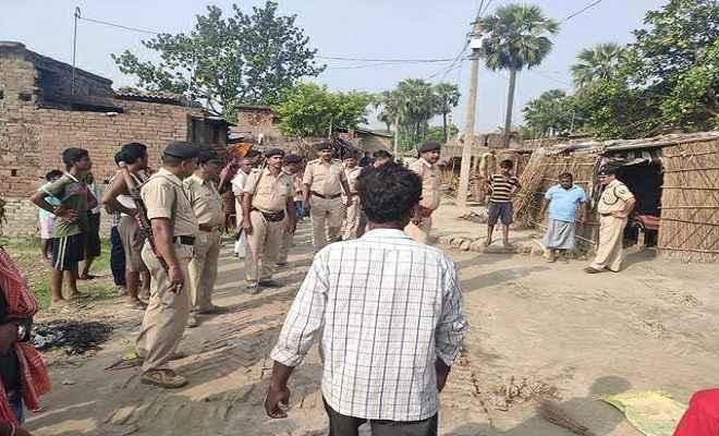 चोरी के आरोप में तीन युवकों की पीट-पीट कर हत्या, परिजनों का अस्पताल में हंगामा