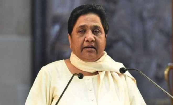 सत्ता और धनबल का इस्तेमाल करके कर्नाटक में गिरायी सरकार: मायावती