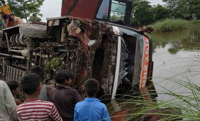 बैठाया था 117 यात्रियों को, दिल्ली से अररिया जा रही बस मोतिहारी में पलटी, एक दर्जन घायल