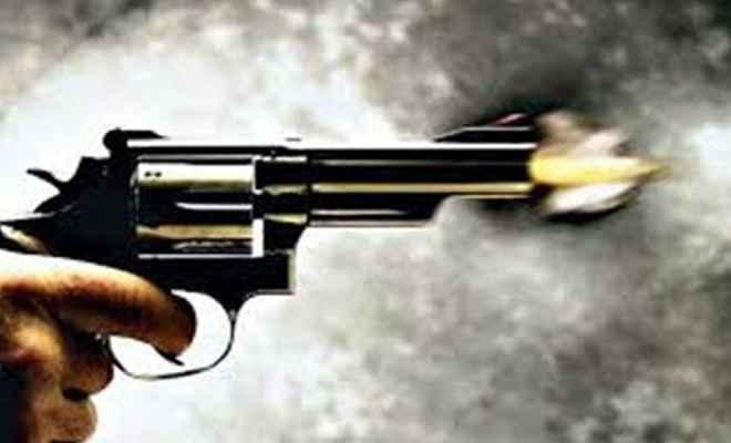 अपराधियों ने पत्रकार को मारी गोली, अस्पताल में भर्ती