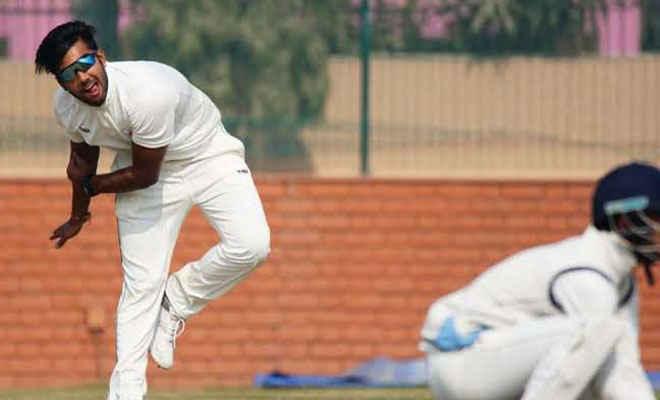 BCCI के अंडर 19 क्रिकेट टूर्नामेंट में बिहार के गेंदबाज अपूर्व आनंद ने बनाया रिकॉर्ड