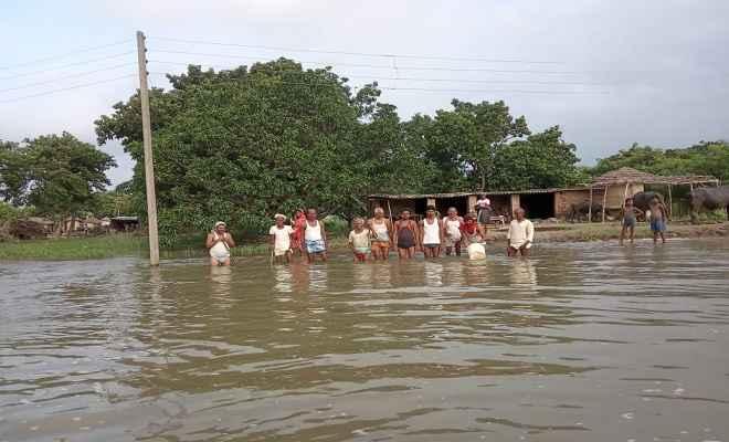नगर क्षेत्र से घट रहा पानी, ग्रामीण क्षेत्रों के लोग हलकान