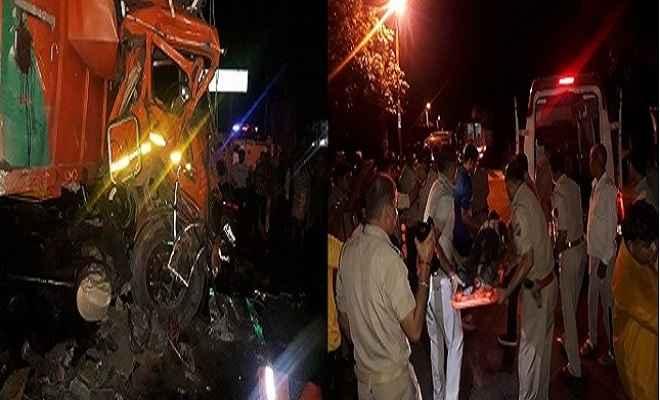 बिजनौर में ट्रक और टैंकर की भीषण टक्कर, 5 की मौत, तीन की हालत गंभीर