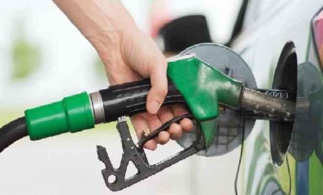 पेट्रोल-डीजल की कीमतों में भारी गिरावट, जानें आज की कीमत