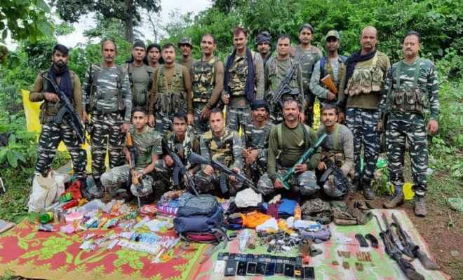 मुठभेड़ में पीएलएफआई का एक उग्रवादी ढेर, भारी मात्रा में हथियार बरामद, तलाशी अभियान जारी