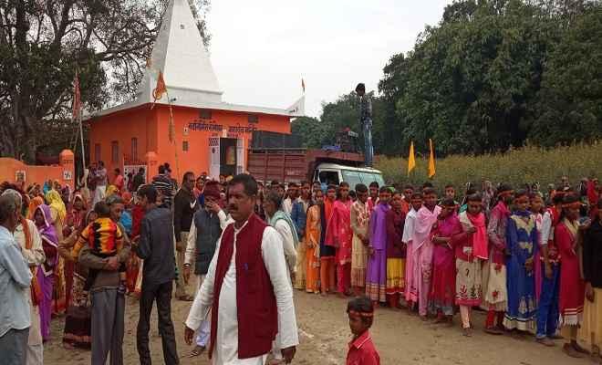 कुशीनगर के सेमेशवर नाथ मंदिर में शुरू हुआ यज्ञ, तीन दिनों तक चलेगा पूजन