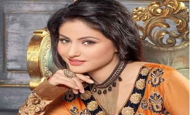 विक्रम भट्ट की फिल्म से बॉलीवुड में डेब्यू करेंगी टेलीविजन की सबसे लोकप्रिय एक्ट्रेस हिना खान