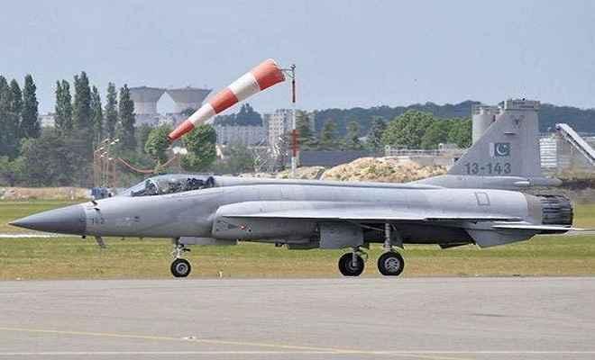 पाकिस्तान लद्दाख के निकट लड़ाकू विमान तैनात करने की फिराक में, ना'पाक' साजिश पर सेना की कड़ी नजर
