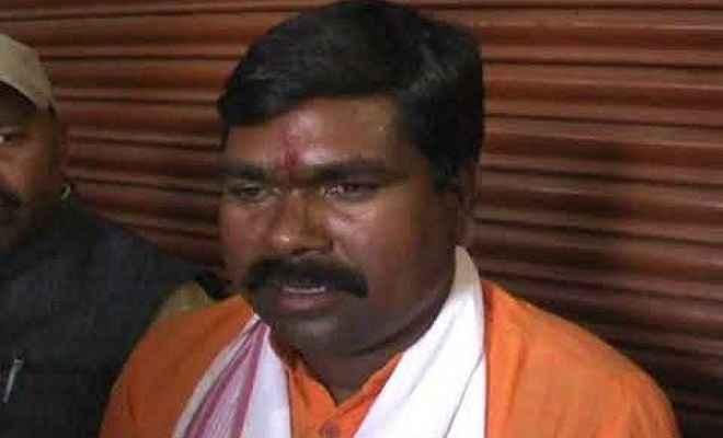 भाजपा राज्यसभा सांसद समीर उरांव की गाड़ी पर अज्ञात हमलावरों ने किया पथराव, जांच में जुटी पुलिस