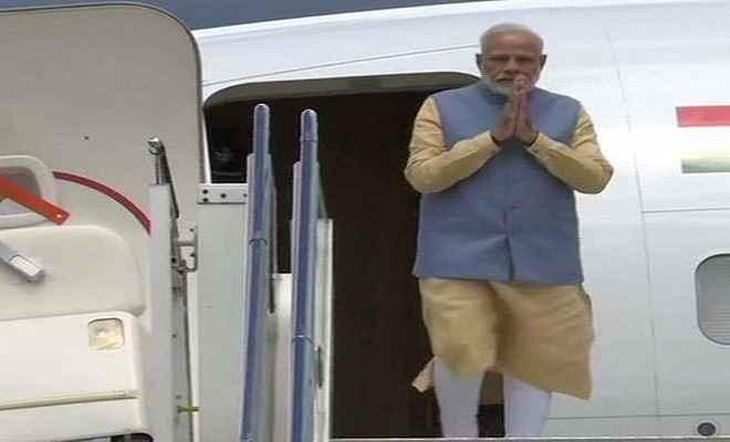 दो दिवसीय दौरे पर भूटान पहुंचे प्रधानमंत्री मोदी, गार्ड ऑफ ऑनर से हुआ भव्य स्वागत