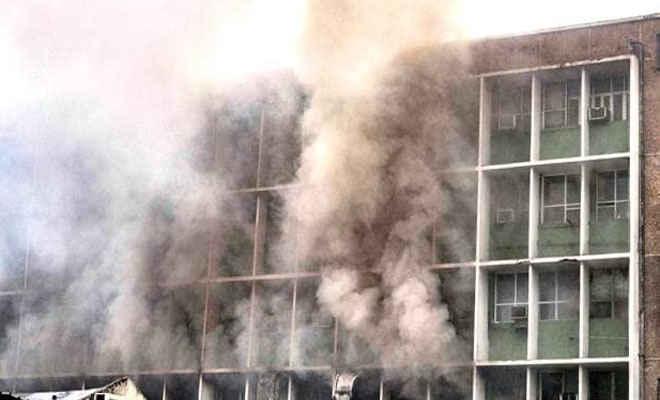 दिल्ली के एम्स अस्पताल में भीषण आग, देर रात पाई गई काबू, कोई हताहत नहीं