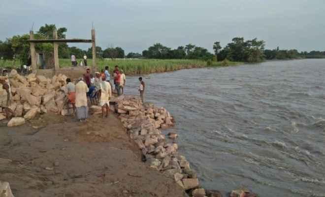 बचाव कार्य बंद होने से बाढ़ का खतरा बढ़ा, इसके लिए लोग किये थे धरना
