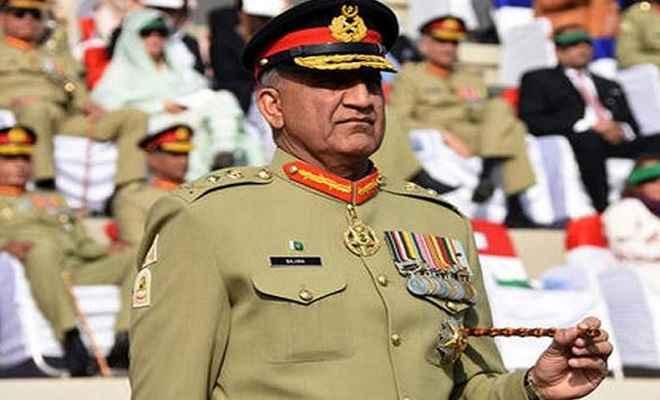 इमरान ख़ान ने तीन साल और बढ़ाया सेना प्रमुख जनरल क़मर जावेद बाजवा का कार्यकाल
