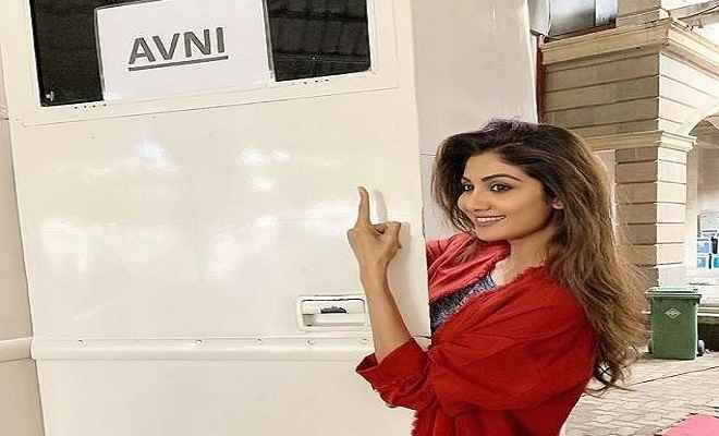 फिल्म 'निक्कमा'से बॉलीवुड में कमबैक कर रही हैं अभिनेत्री शिल्पा शेट्टी, शूटिंग हुई शुरु