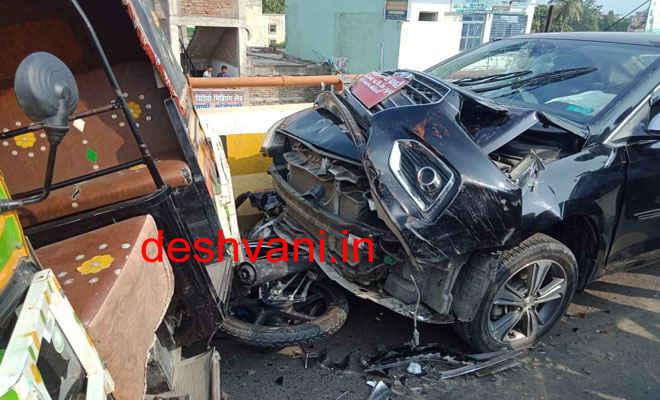 मोतिहारी के बलुआ ओवर ब्रिज पर कार ने रांग साइड जाकर बाइक को मारी ठोकर, बाइक सवार पुल के नीचे गिरा, मौत, दूसरा घायल