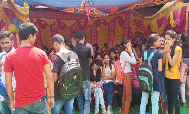 भाजपा की सदस्यता को रक्सौल में उमड़ा युवक-युवतियों का हुजूम