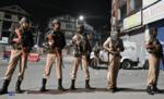 जम्मू/कश्मीर: घाटी में फिर लगा प्रतिबंध, जामिया मस्जिद समेत कई मस्जिदों में जुम्मे की नमाज अदा करने पर रोक