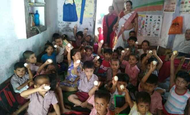 पोषण माह अभियान के तहत आंनबाड़ी केंद्रों पर ग्रामीण स्वास्थ्य, स्वच्छता एवं पोषण दिवस का हुआ आयोजन