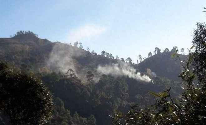 उड़ी-पुंछ में पाकिस्तान ने किया सीजफायर का उल्लंघन, सेना दे रही मुंहतोड़ जवाब, एक जवान सहित दो घायल