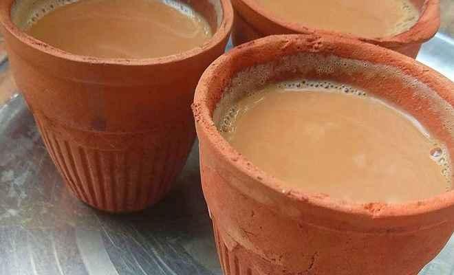 अब कुल्हड़ के गिलास में मिलेगी चाय और लस्सी, देश के 400 रेलवे स्टेशनों पर शुरू होगी सुविधा