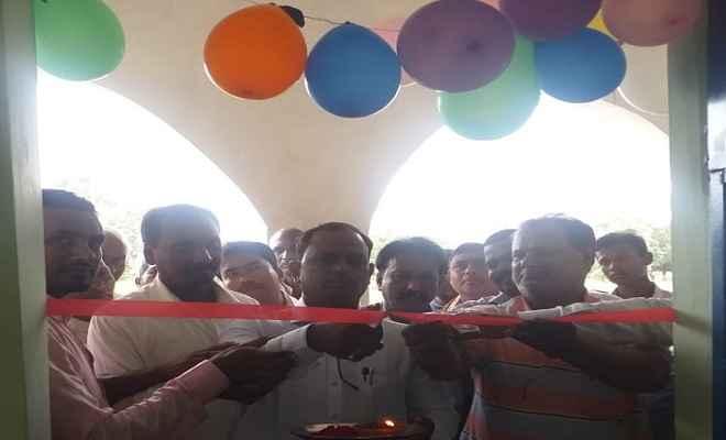 बलुआ उत्क्रमित उच्च विद्यालय में उन्नयन बिहार के अंतर्गत स्मार्ट क्लासेज का शुभारंभ
