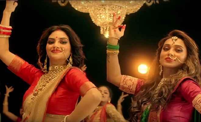 मां दुर्गा के गाने पर जमकर थिरकीं नुसरत जहां और मिमी चक्रवर्ती, वायरल हुआ वीडियो