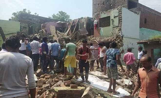उत्तर प्रदेश: पटाखा फैक्टरी में भीषण विस्फोट, 6 लोगों की मौत, कई घायल