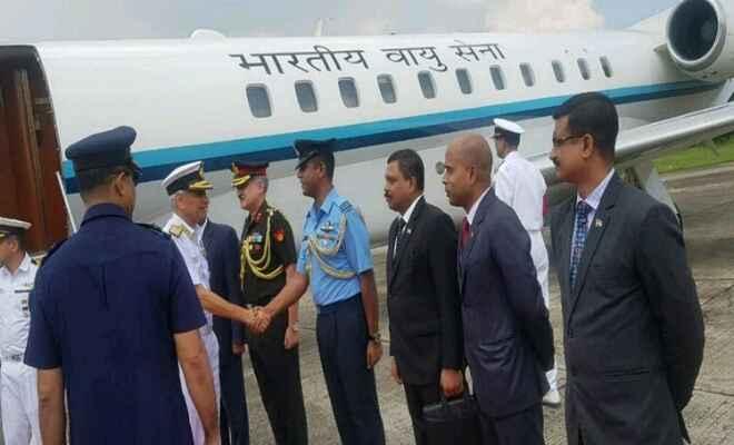 बांग्लादेश की चार दिन की यात्रा पर ढाका पहुंचे नौसेना प्रमुख