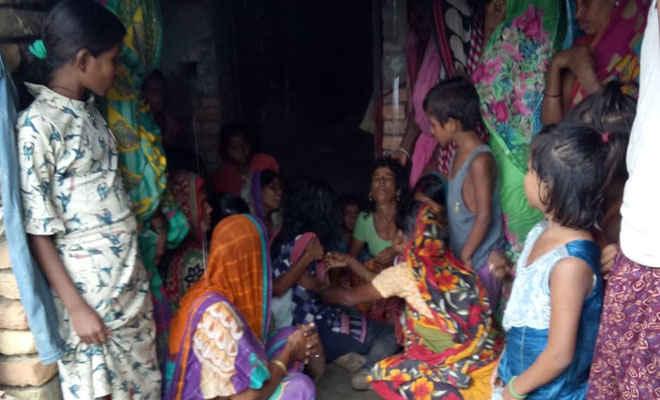 बारिश के कारण मीटर में था करंट, विद्युत स्पर्शाधात से चकिया में युवक की मौत
