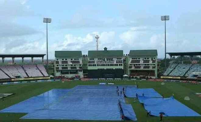 गुवाहाटी में भारत और श्रीलंका के बीच पहला अंतरराष्ट्रीय 20-20 क्रिकेट मैच वर्षा के कारण रद्द