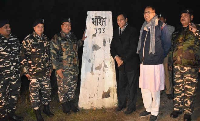 केन्द्र सरकार के गृह राज्यंत्री, बिहार के भाजपा अध्यक्ष व विधायक साथ रक्सौल में 47 वी बटालियन आउट पोस्ट का जायजा लिया
