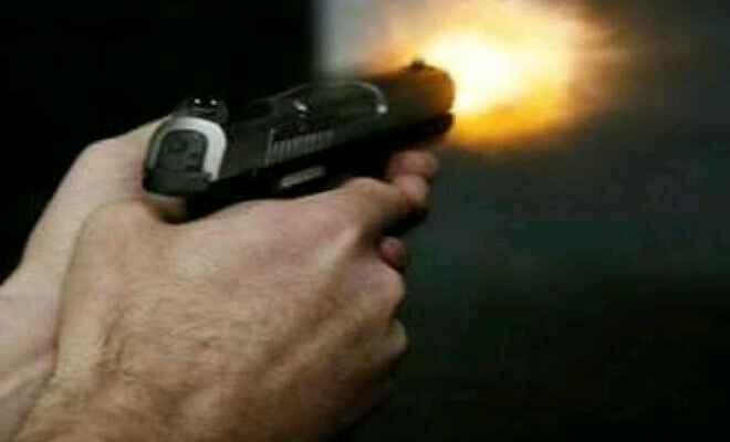 हाजीपुर में पुलिस ने एक शराब माफिया को एनकाउंटर में मार गिराया, हथियार के साथ एक गिरफ्तार