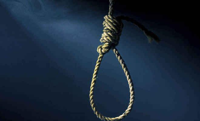 मोतिहारी में बंजरिया के श्रीराम लॉज में पंखे लटका मिला छात्र का शव, मैट्रिक की परीक्षा की कर रहा था तैयारी, आत्महत्या की आशंका