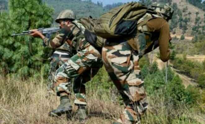 जम्मू-कश्मीर के उधमपुर में सुरक्षा बलों और आतंकवादियों के बीच मुठभेड़, तीन आतंकवादी ढेर