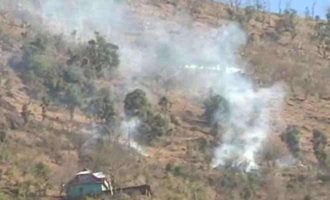 सीजफायर का उल्लंघन कर पाकिस्तान ने की LOC पर भारी गोलीबारी, भारतीय सेना के 3 जवान शहीद, 5 घायल