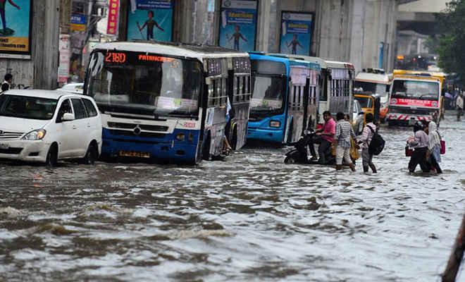 आंध्र प्रदेश और तेलंगाना में भारी बारिश का कहर, अब तक 11 लोगों की मौत