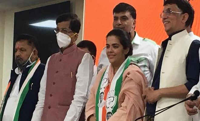 बिहार विधानसभा चुनाव: शरद यादव की बेटी सुभाषिनी यादव कांग्रेस में हुई शामिल, लड़ सकती हैं चुनाव