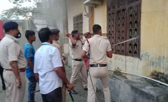 मोतिहारी सेन्ट्रल बैंक रिजनल कार्यालय में भीषण आग, 4 घंटे की मशक्कत के बाद रात 8 बजे आग पर काबू