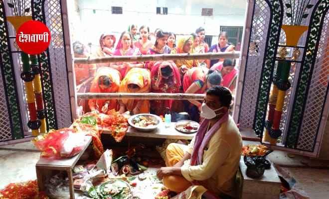 रक्सौल: शारदीय नवरात्र के अष्टमी और नवमी के रोज मनोकामना मंदिर में उमड़ी श्रद्धालुओं की भीड़