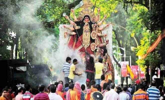 बांग्लादेश में नदियों, तलाबों और जलाशयों में दुर्गा प्रतिमाओं के विसर्जन के साथ दुर्गापूजा का त्यौहार संपन्न
