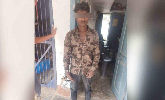 मोतिहारी के छतौनी बस स्टैण्ड में यात्रियों से हुई लूट, आरोप में इंदिरानगर निवासी गिरफ्तार