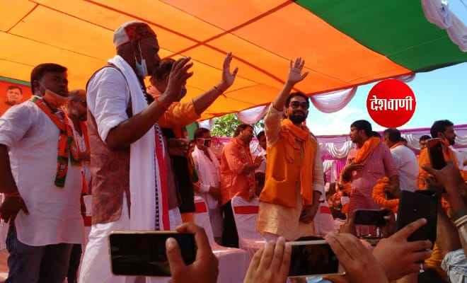 रक्सौल में भोजपुरी सुपरस्टार निरहुआ ने कहा- का हाल चाल बा, कोरोनाकाल में अपन ध्यान रखेकेबा, बिहार मे एनडीए के सरकार बनावे के बा