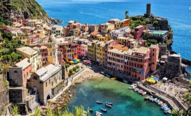 आपको जानकर होगी हैरानी, इटली के इस शहर में महज 87 रुपए में बिक रहे हैं घर
