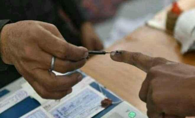 दिल्ली विधानसभा में 70 सीटों के लिए 672 उम्मीदवार चुनाव मैदान में, मतदान शुरू