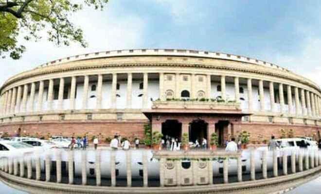 अनुसूचित जाति-जनजाति पदोन्नति में आरक्षण मुद्दे पर संसद में हंगामा