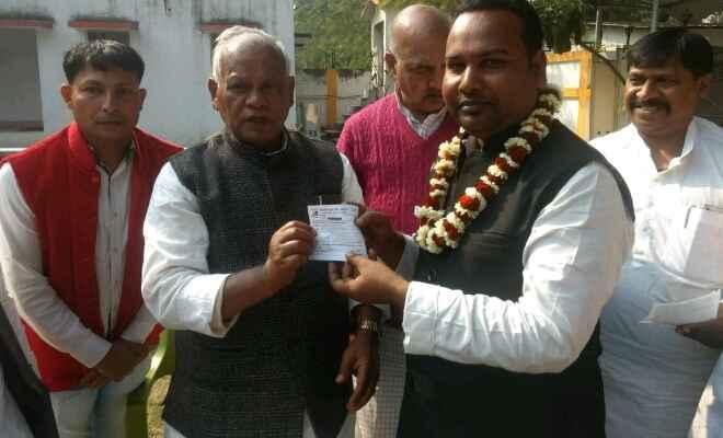 पूर्व मुख्यमंत्री जीतन राम मांझी की पार्टी हम में शामिल हुए वैशाली  निवासी अरविंद पासवान