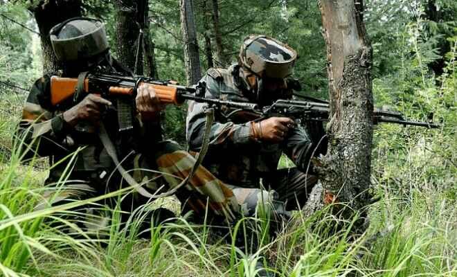 जम्मू-कश्मीर के अनंतनाग जिले में आतंकवादियों और सुरक्षाबलों के बीच मुठभेड़, चार आतंकवादी मारे गए