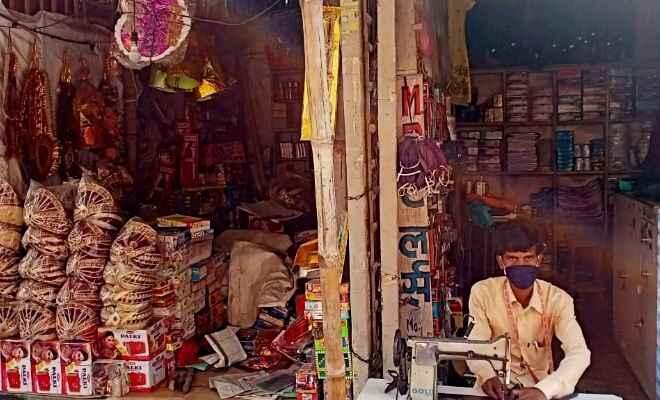 पश्चिम चम्पारण में उड़ रही लॉक डाउन की धज्जियाँ, आज भी खुली रही दुकानें