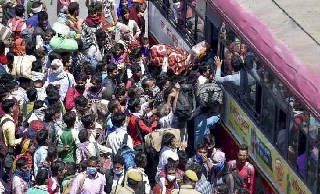 संकटमें लॉकडाउन...पांच लाख से ज्यादा लोगों का दिल्ली से पलायन, हालात चिंताजनक